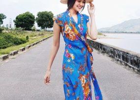 Thanh Hằng diện đầm xanh in hoa tươi tắn