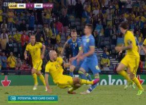 Tin Euro tối 30/6: Pha vào bóng khiến Danielson nhận thẻ đỏ